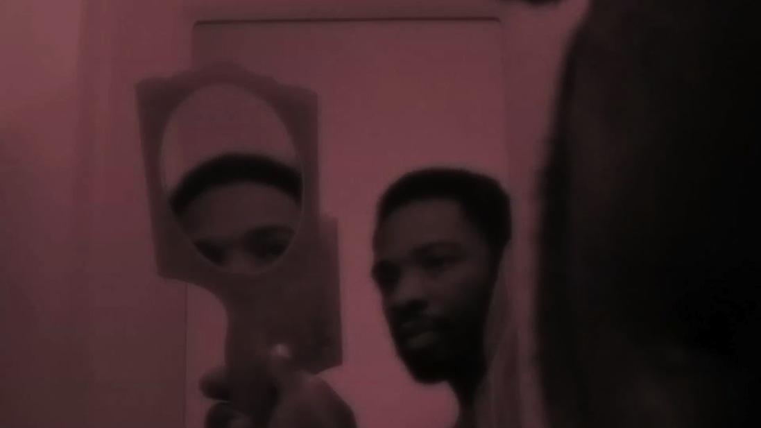 Kalup Linzy. Film still: Art Jobs and Lullabies, Video Suite 1 , 2015. Video 20:20 minutes.
