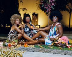 Mickalene Thomas, Le Déjeuner sur l'herbe: Les trois femmes noires, 2010. © Mickalene Thomas.